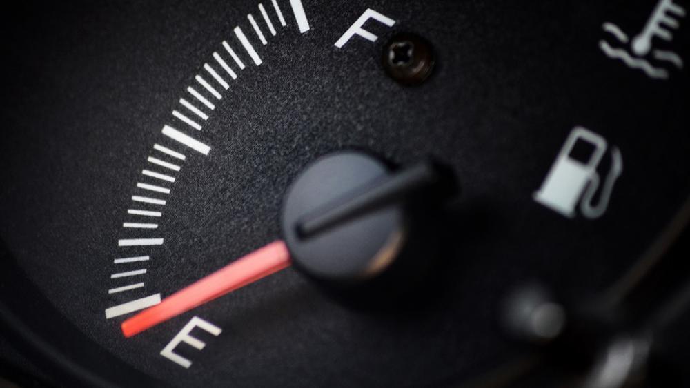 fuel-shortage.thumb.jpg.fc1091cd5068f818